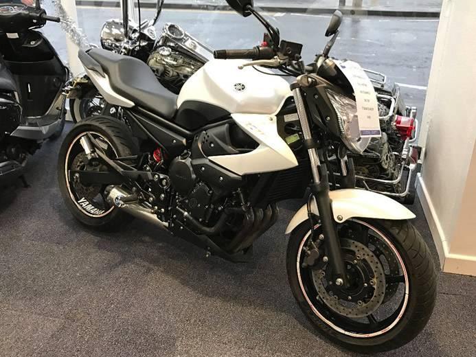 2014-Yamaha-XJ6N